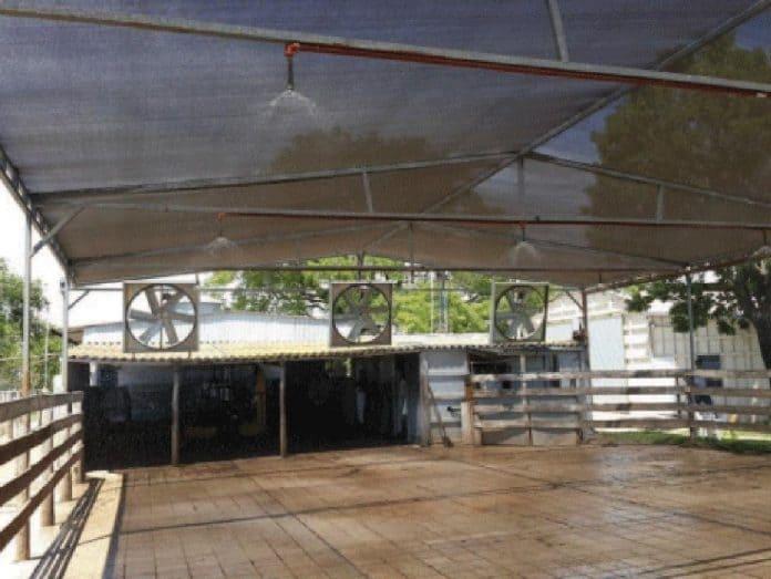 Sistema de mojado y ventilación forzada